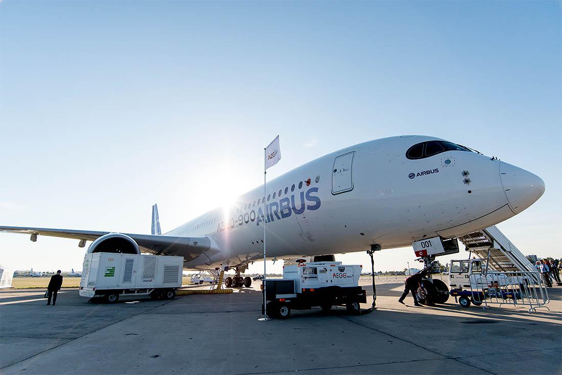 Знакомьтесь: это первый Airbus из серии, поднявшийся в воздух.