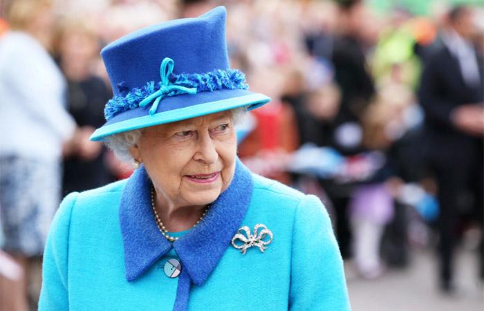 Елизавета является главой государства для 138 миллионов граждан. За годы царствования Елизаветы II сменилось 12 премьер-министров Британии, 12 американских президентов, 9 руководителей СССР и России. Эта женщина стала настоящим символом не только Англии, но и всей Великобритании.
