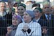 Верующие перед церемонией открытия