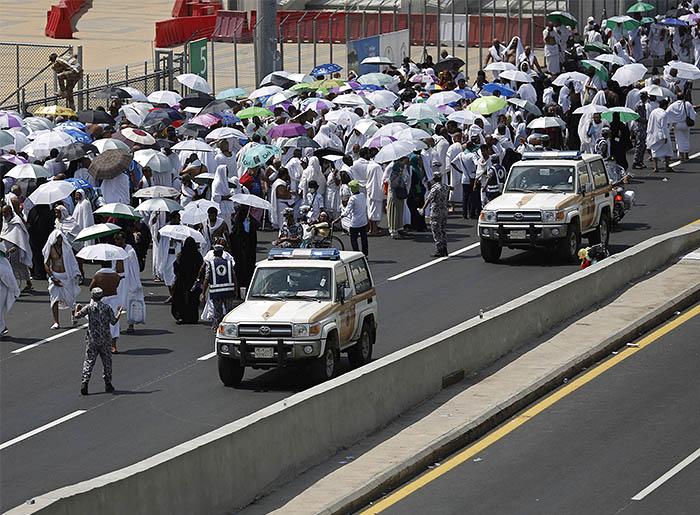 Трагедия произошла во время обряда побиения шайтана камнями; на данный момент известно более чем о 700 погибших и 800 пострадавших
