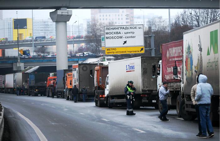 Водители грузовых автомобилей на МКАД