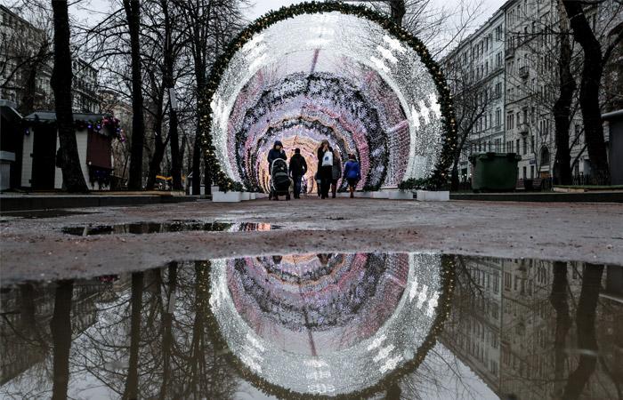 Жители Москвы на Тверском бульваре