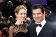 Американский актер Джош Бролин с возлюбленной Кэтрин Бойд на церемонии открытия 66-го Берлинского кинофестиваля