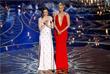 """Актрисы Эмили Блант и Шарлиз Терон объявляют победителя в номинации """"лучший оригинальный сценарий"""""""
