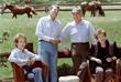 Бывший президент США  Рональд Рейган с супругой принимают у себя на ранчо чету Горбачевых в Санта-Барбаре в мае 1992 года
