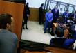 Журналист смотрит на трансляцию судебного заседания по оглашению приговора Надежде Савченко