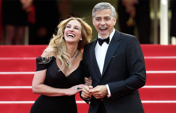 """Голливудские актеры Джулия Робертс и Джордж Клуни перед премьерой фильма режиссера Джоди Фостер """"Финансовый монстр"""""""