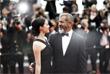 Актер Мэл Гибсон и Розалинд Росс на красной дорожке 69-го Каннского кинофестиваля