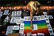 Импровизированный мемориал в память о погибших в Лондоне