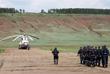 Сотрудники МЧС РФ на территории аэродрома города Качуг перед вылетом на место крушения самолета Ил-76 для проведения поисковых работ