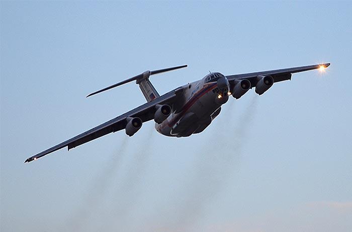 Самолет с телами погибшего в Иркутской области экипажа Ил-76 МЧС России приземлился во вторник вечером на аэродроме Раменское в подмосковном Жуковском