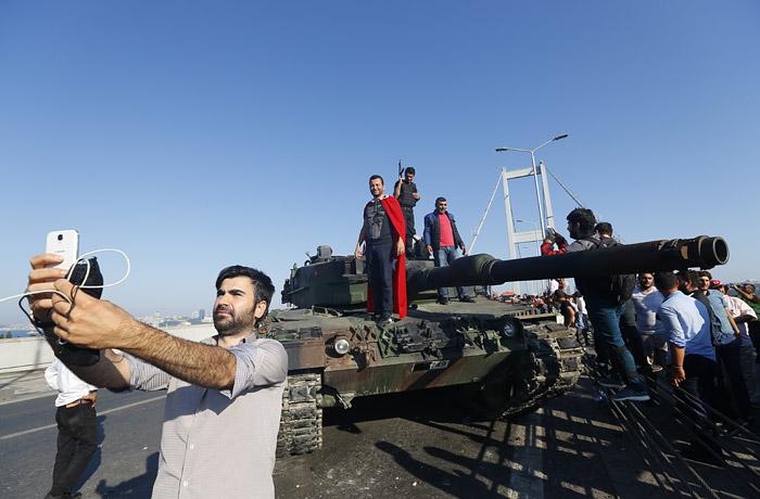Анкара потребовала от Берлина выдачи одного из руководителей путча