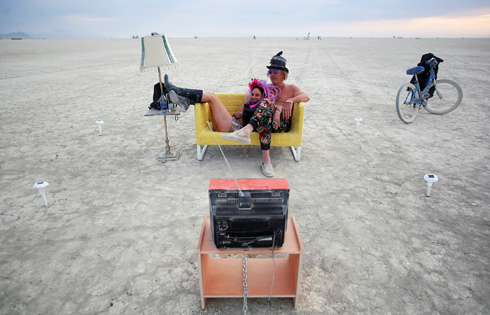 Участники фестиваля Burning Man в пустыне Блэк-Рок. Невада, США.