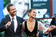 """Актеры Майкл Фассбендер и Алисия Викандер перед показом фильма """"Свет в океане"""""""