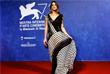 Актриса Эшли Грин позирует на красной ковровой дорожке кинофестиваля