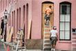 Южные штаты США также готовятся к приближению урагана. Жители Чарльстона заколачивая окна и укрепляют строения мешками с песком. Местному населению рекомендовано укрыться в убежищах.