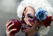 Участница крупнейшего Хеллоуин парада в Японии