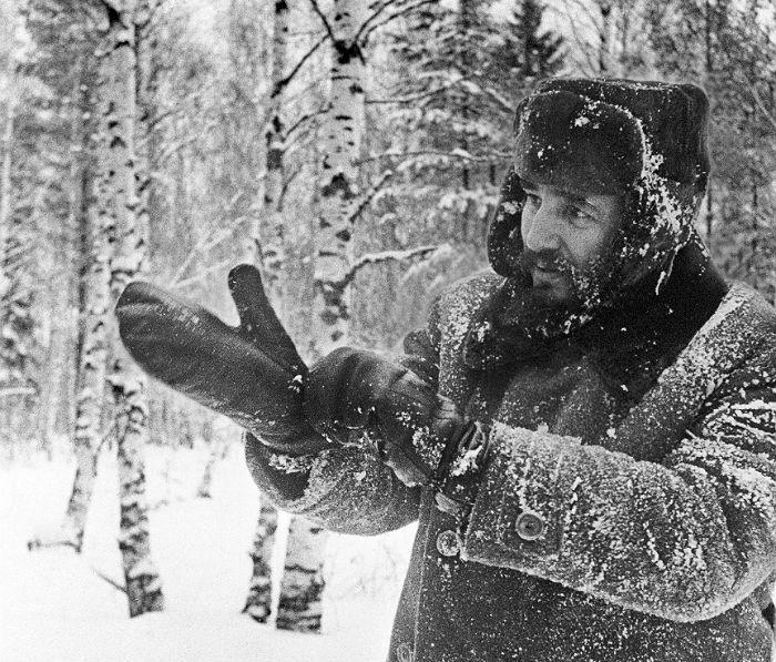 Лидер кубинской революции Фидель Кастро в подмосковском лесу. 1964 год