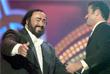 Выступление итальянского оперного певца Лучано Паваротти и Джорджа Майкла в Модене. Июнь 2000 года.