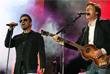 Британский музыкант Пол МакКартни и Джордж Майкл на концерте в лондонском Гайд-парке. Июль 2005 года.