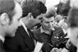 Председатель Комитета советских женщин Валентина Терешкова раздает автографы во время XXVII съезда КПСС. Март 1986 года.