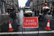 Журналисты и операторы у перекрытой после теракта дороги в центре Лондона