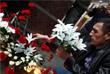 Акция памяти погибших в результате взрыва у метро Санкт-Петербурга