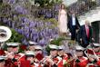 В традиционной церемонии празднования Пасхи также участвовали первая леди США Мелания и сын Трампа Бэррон