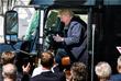 23 марта во время встречи с членами Американской ассоциации грузоперевозок президент США Дональд Трамп сел за руль грузовика. Эмоциональная реакция Трампа стала поводом для шуток в социальных сетях.