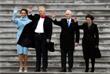 Сразу после инаугурации новый президент США Дональд Трамп с женой Меланией Трамп и вице-президент Майк Пенс с супругой Карен Пенс попрощались с бывшим президентом Обамой и бывшей первой леди. Обама с супругой Мишель по традиции вылетели с территории Капитолия на вертолете на военно-воздушную базу Эндрюс, расположенную под Вашингтоном.