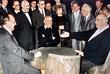 Хельмут Коль (справа), Михаил Горбачев, Раиса Горбачева (в центре), Ханс-Дитрих Геншер (слева), Эдуард Шеварднадзе (второй справа) во время обсуждения договоренности о воссоединении Восточной и Западной Германии в правительственной резиденции в Архызе. Июль, 1990 год.