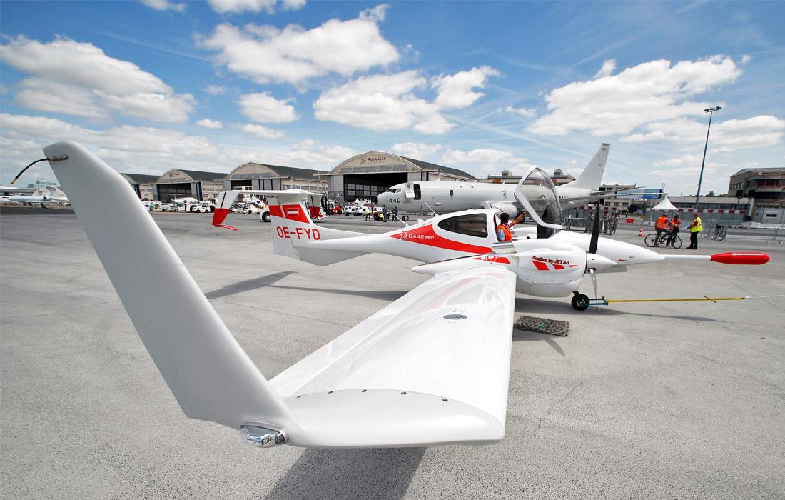 Легкий многоцелевой самолет Diamond DA42 MPP