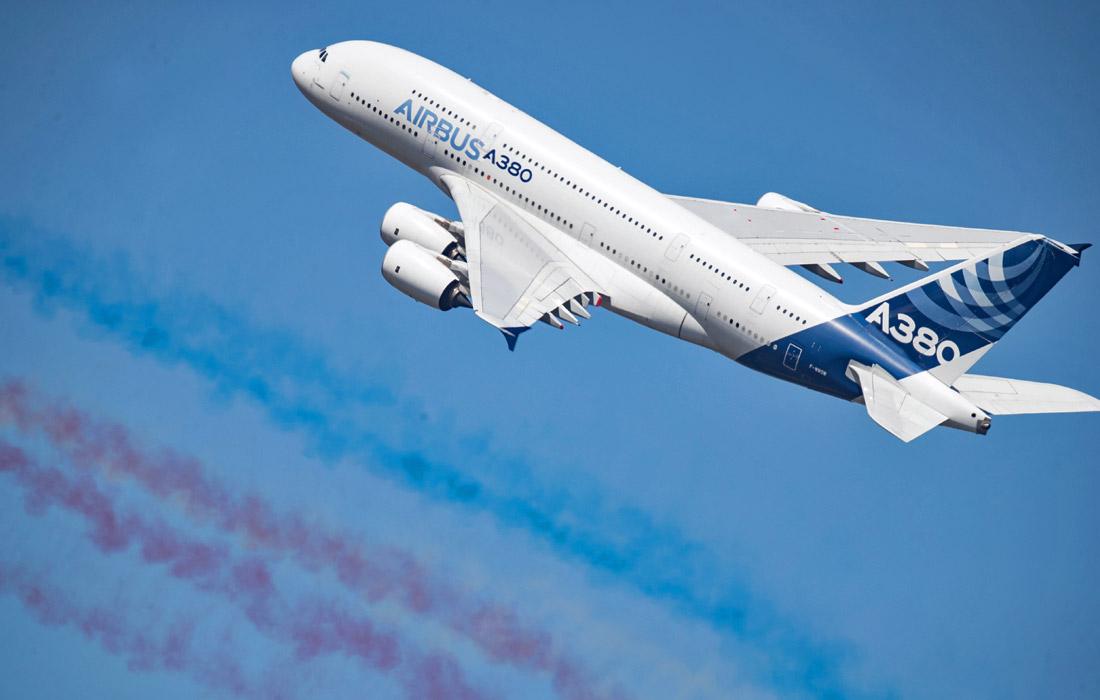 Самый крупный в мире пассажирский авиалайнер Airbus A380
