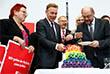 """Однако ранее на этой неделе канцлер Германии призвала однопартийцев, чтобы они принимали решение самостоятельно """"по зову совести"""", а не руководствуясь общепартийной позицией"""