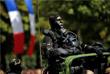Участник военного парада в честь Дня взятия Бастилии