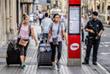 Многие туристы покидают город после новостей о теракте