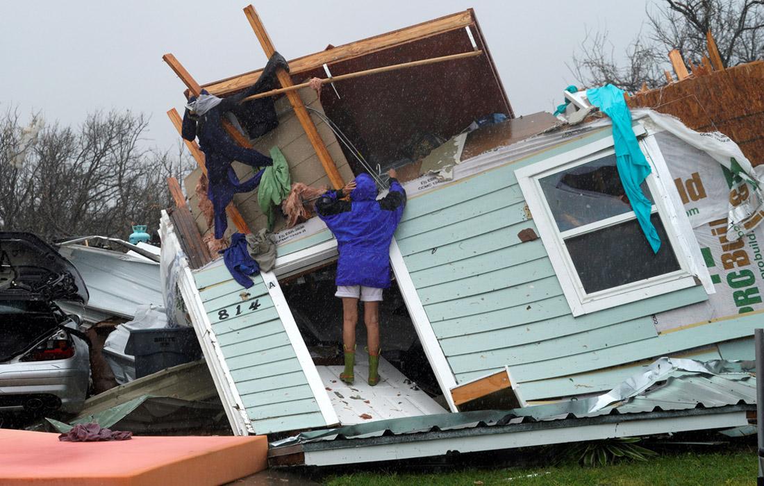 """Первым удар """"Харви"""" принял на себя город Корпус Кристи, затем ураган переместился в сторону небольшого города Рокпорт с населением около 7 тысяч человек"""