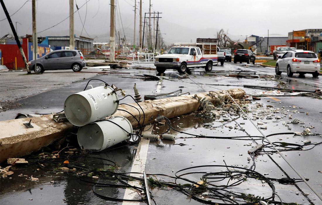 """Пуэрто-Рико полностью лишился электроснабжения в результате удара урагана """"Мария"""", обрушившегося на остров накануне"""