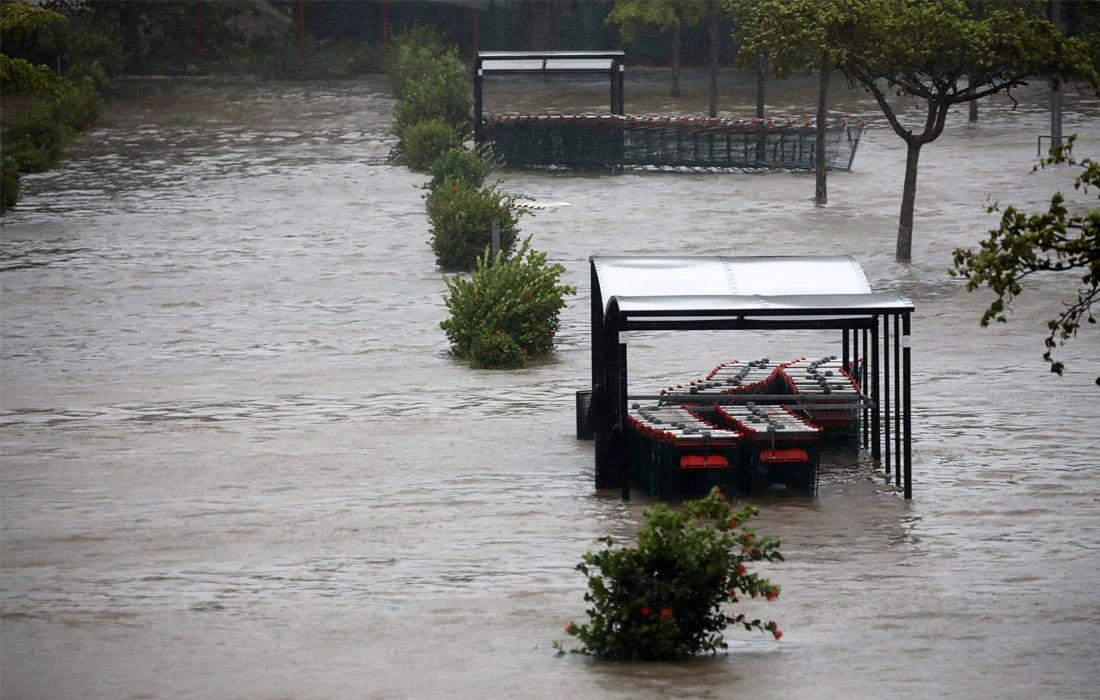 Жертвами стихии на Гваделупе стали два человека, а еще двое считаются пропавшими без вести