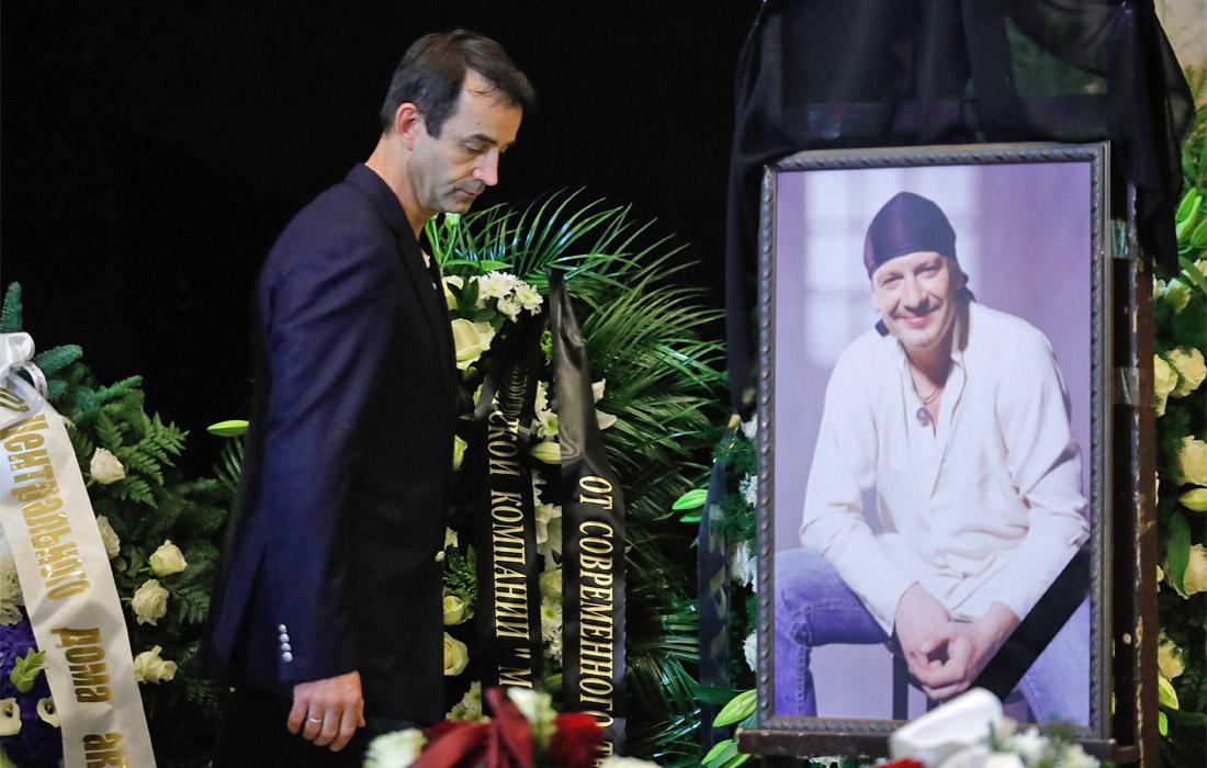 Актер Дмитрий Певцов на церемонии прощания