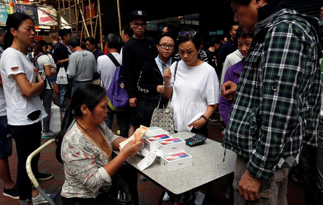 Перепродажа iPhone X на улицах Гонконга