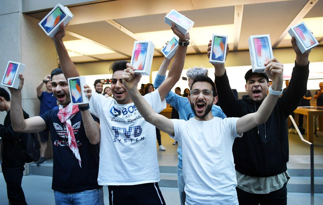Первые покупатели iPhone X в Сиднее