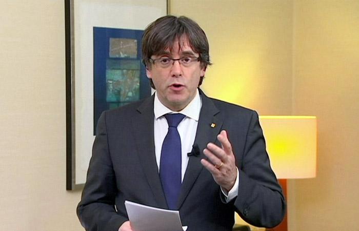 Пучдемон объявил оготовности участвовать вкаталонских выборах из-за рубежа