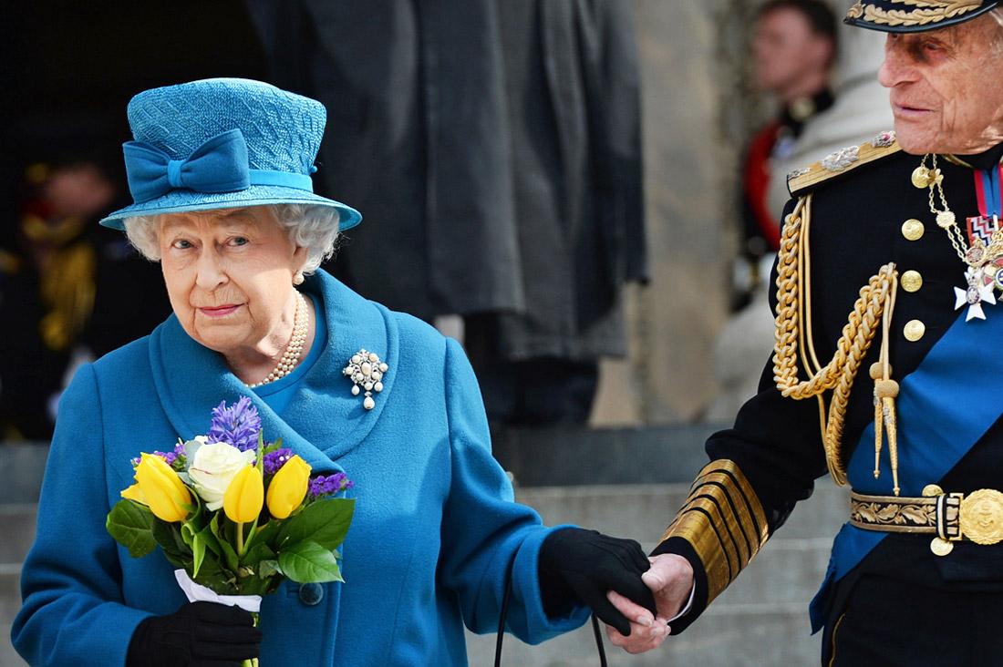 Елизавета II и принц Филипп у Собора Святого Павла в Лондоне. 2015 год.