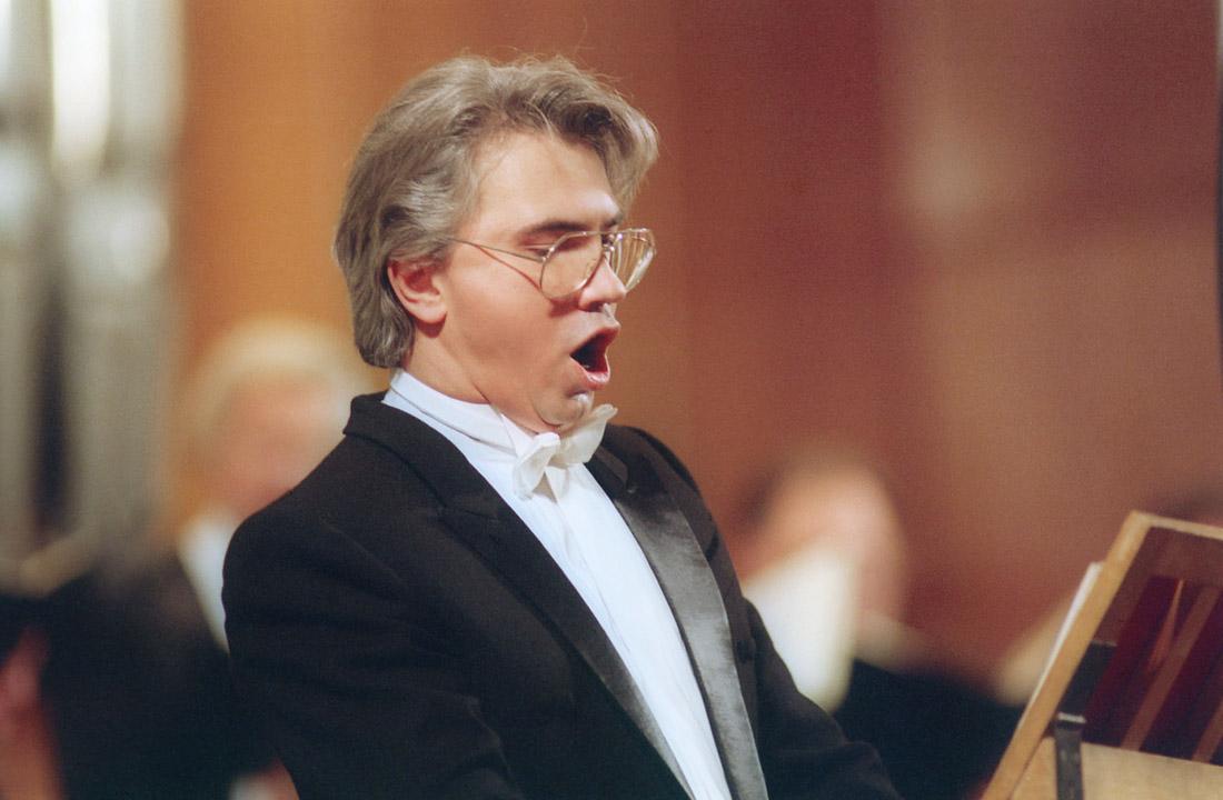 Хворостовский поет в Большом зале Московской консерватории. 1994 год.