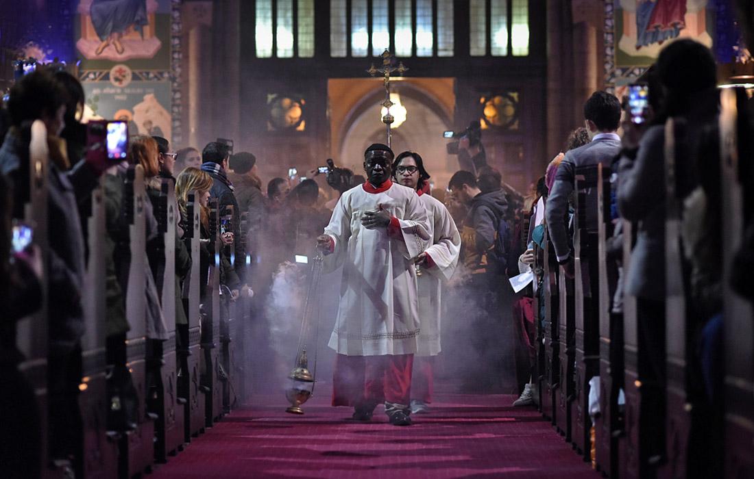 Празднование католического Сочельника в Стамбуле, Турция