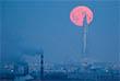 А так - в Санкт-Петербурге. В последний раз все три явления в один день можно было наблюдать в декабре 1982 года. Следующее лунное затмение ожидается в июле этого года.