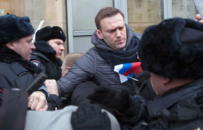 Навального заподозрили в избиении полицейских при задержании 28 января