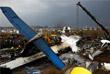 По меньшей мере 49 человек погибли и 22 человека получили ранения в результате крушения пассажирского самолета, выполнявшего рейс из Дакки в столицу Непала Катманду. Самолет совершил жесткую посадку в международном аэропорту Трибхуван, затем на борту произошло возгорание. Представители аэропорта предполагают, что причиной аварии стали технические неполадки самолета.