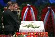 Сын Олега Табакова актер Павел Табаков и актер Владимир Машков во время церемонии прощания
